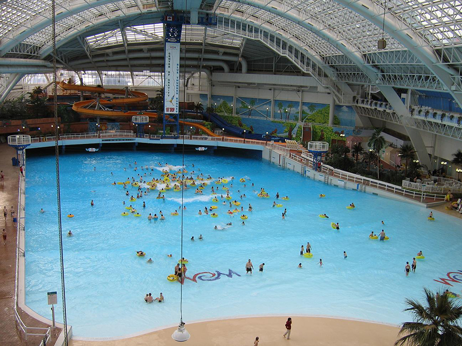 Diamond grove rv park west edmonton mall for Giant swimming pool
